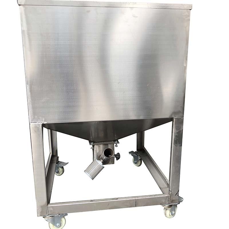 100公斤不锈钢移动料桶背部